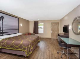 Super 8 by Wyndham Pensacola West, motel in Pensacola
