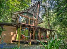 Casa Auratus Exotic Jungle House, hotel in Manzanillo