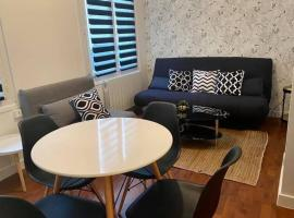 Trouville-Sur-Mer : Cocon Entre Plage et Casino, apartment in Trouville-sur-Mer