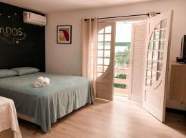 Suit's, guest house in Balneário Camboriú
