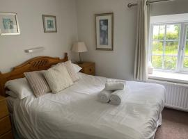 Thelbridge Cross Inn, hotel near Castle Drogo, Crediton