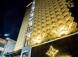 Lux Boutique Hotel, hotel in Nonthaburi