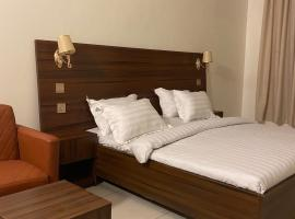 Posh Hotel and Suites Ikeja, hotel near Murtala Muhammed International Airport - LOS, Ikeja