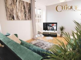 Chique Properties 5* Business accommodation, hotel in Milton Keynes
