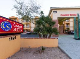 Comfort Suites Phoenix Airport, hotel in Tempe