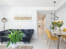 NEW Gorgeous Central Apartment - Beachfront - 3 BD, apartment in San Sebastián