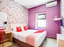 OYO 3822 Mine Home, hotel near Cihampelas Walk, Bandung