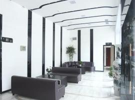 Lavande Hotel Nanchang Bayi Square Branch, hotel near Nanchang Changbei International Airport - KHN, Nanchang