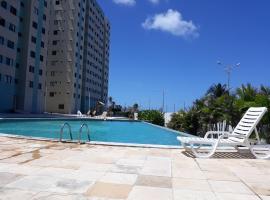 Apartamento BEIRA-MAR com 2 quartos, hotel with pools in Maceió