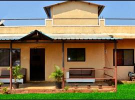Savitri bungalow 3BHK, villa in Panchgani