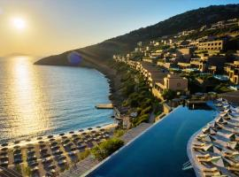 Daios Cove Luxury Resort & Villas, beach hotel in Agios Nikolaos