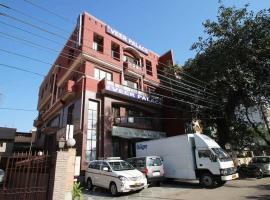 HOTEL VEER PALACE, hotel near National Rail Museum, New Delhi