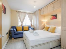 London Docklands East India Quays by ASH Cosy Apartments, hotel in London