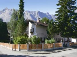 Haus Höllental, guest house in Garmisch-Partenkirchen