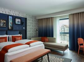 Hotel Indigo Berlin - East Side Gallery, an IHG Hotel, pet-friendly hotel in Berlin