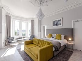 Sweeney Apartments & Rooms, apartment in Motherwell