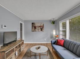 Unique Modern Bungalow!! 5 min away from Airport, villa in Atlanta