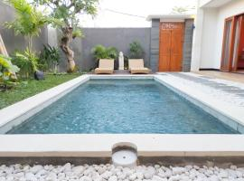 D'Coconut Villa by Travelnote, hotel in Canggu