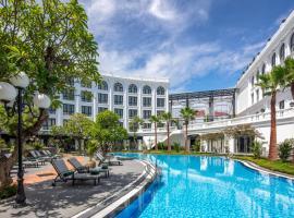 Silk Path Grand Hue Hotel & Spa, luxury hotel in Hue