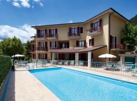 Hotel Astra, hotell i Tignale