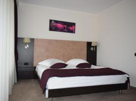 Hotel Regal, hotel din Brașov