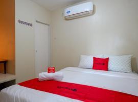 RedDoorz near Ahmad Yani Monument Park Kudus, hotel in Kudus