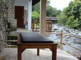 Pondok Tepi Sungai, hotel in Sidemen