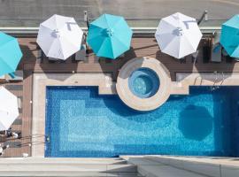 Edge Creekside Hotel, hotel v Dubaji