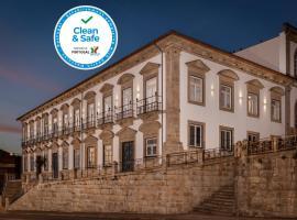 Condes de Azevedo Palace Apartments, pet-friendly hotel in Porto