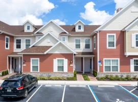 Gorgeous 4 Bedroom Family Friendly Close to Disney 7573, hotel in Orlando