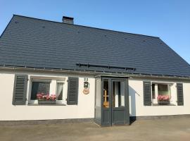 Villa SKYLO, holiday home in Winterberg