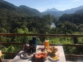 Pousada Bella Vista, hotel with jacuzzis in Visconde De Maua