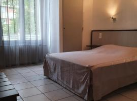 Le coin fleuri、ディーニュ・レ・バンのホテル