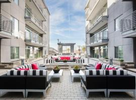 Roosevelt Row ∎ Downtown Phoenix ∎ Full Luxury Apartments, vacation rental in Phoenix