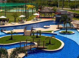 Flat Terreo Muro Alto Condomínio Clube com Sala Reversível para segundo quarto, pet-friendly hotel in Porto De Galinhas