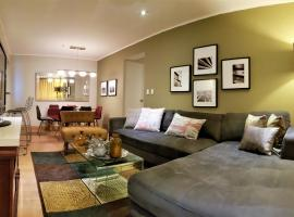 GL Apts, rent Upper Pardo Miraflores - Suite 1 Hab, hotel with pools in Lima