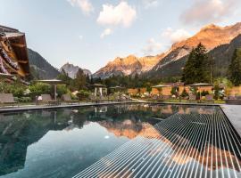 BAD MOOS - Dolomites Spa Resort, hotel in Sesto