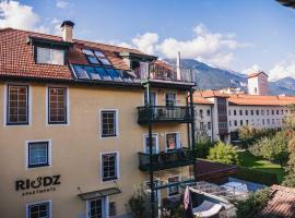 Riedz Apartments, apartment in Innsbruck