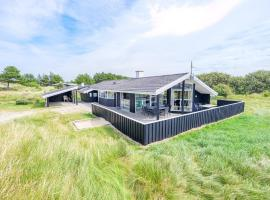 Holiday home Henne CVII, overnatningssted i Henne Strand