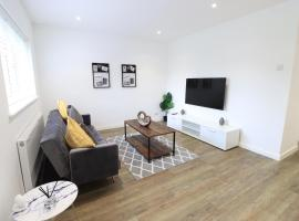 The Cosy House with Free Parking and Netflix - Perfect for Contractors, Families & Groups by Yoko Property, hotel in Northampton