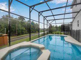 Family Resort - 12BR Mansion - Private Pool, BBQ, Games!, hotel in Kissimmee