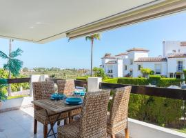Lovely apartment close to tennis and activities, hotel in Estepona