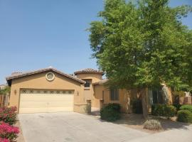 Phoenix II Minutes to Airport and Downtown, vacation rental in Phoenix