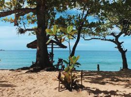 Camping e Chalé do Claudinho, hotel near Antigos Beach, Paraty