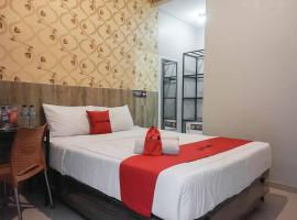 RedDoorz @ Bukit Dieng 2, hotel near Lembah Dieng Water Park, Malang