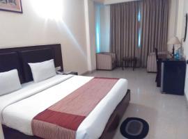 Hotel Airport Plaza, resort in New Delhi
