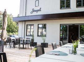 Hotel Restaurant Joseph, hotel near Designer Outlet Parndorf, Bruckneudorf