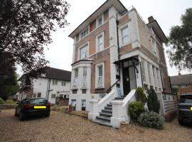 Eversley Gardens -Apt A, apartment in Hounslow