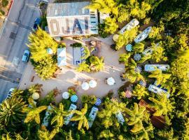Caravan Outpost, glamping site in Ojai