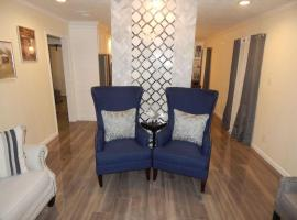 East End Luxury Gem - with Deck, Office & Huge Yard!, vacation rental in Houston